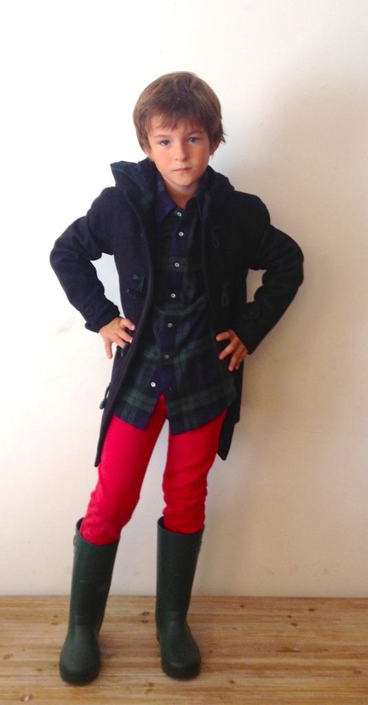 Camisa de Nicoli 36 euros, botas de agua de Igor 25 euros, pantalon de Zara
